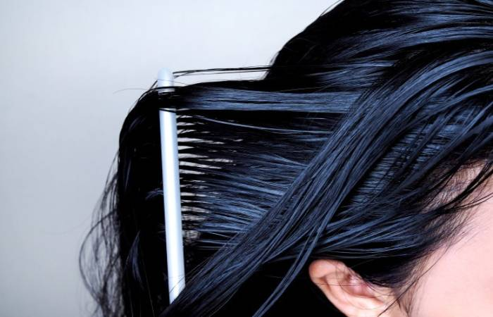 If I Have Oily Hair, I have a Higher Risk of falling out